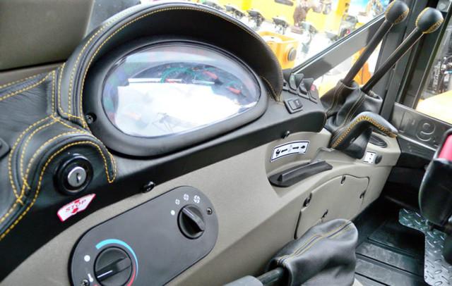 Характеристики экскаватора-погрузчика Кейс 580