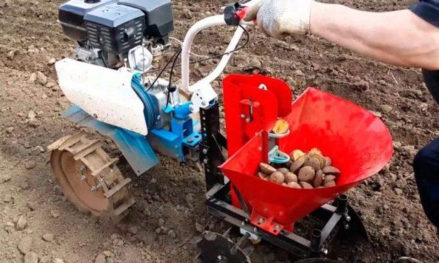 Картофелесажалка для минитрактора