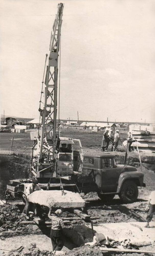 Автокран на базе ЗИЛ 130