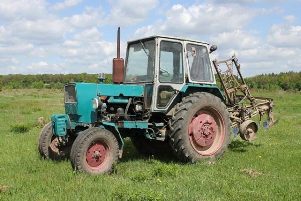 Трактор ЮМЗ 6