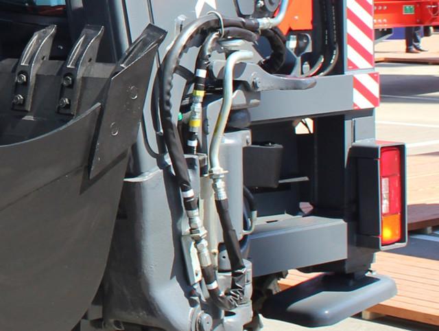 Технические характеристики экскаватора-погрузчика Терекс 970